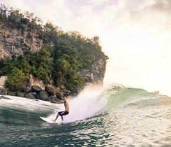 Chris surfin'