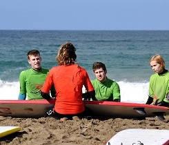 Lección de surf en Tenerife