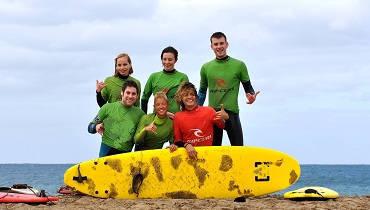 escuela de surf para familias
