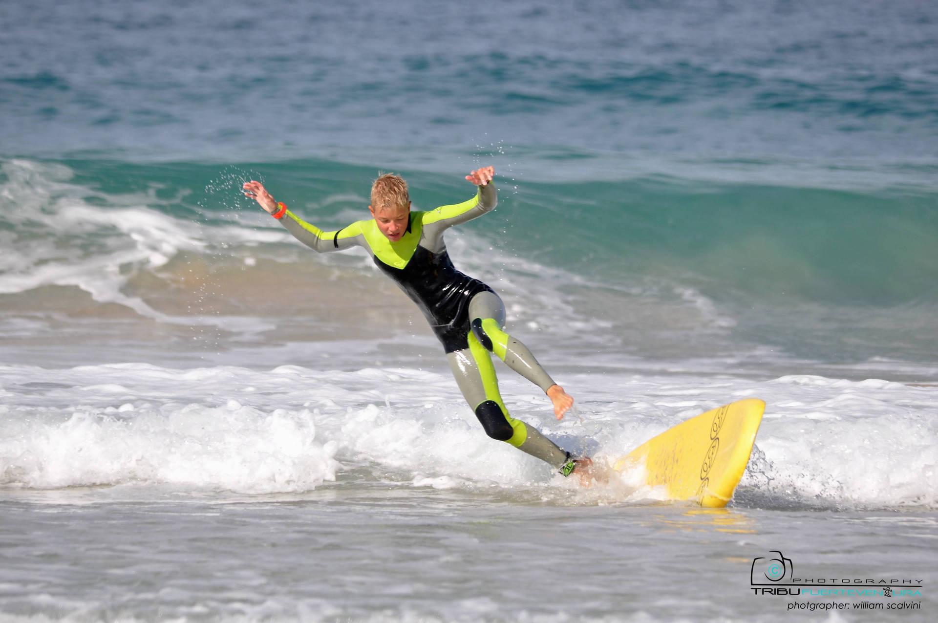 Alle haben Spaß im Familien Surfcamp