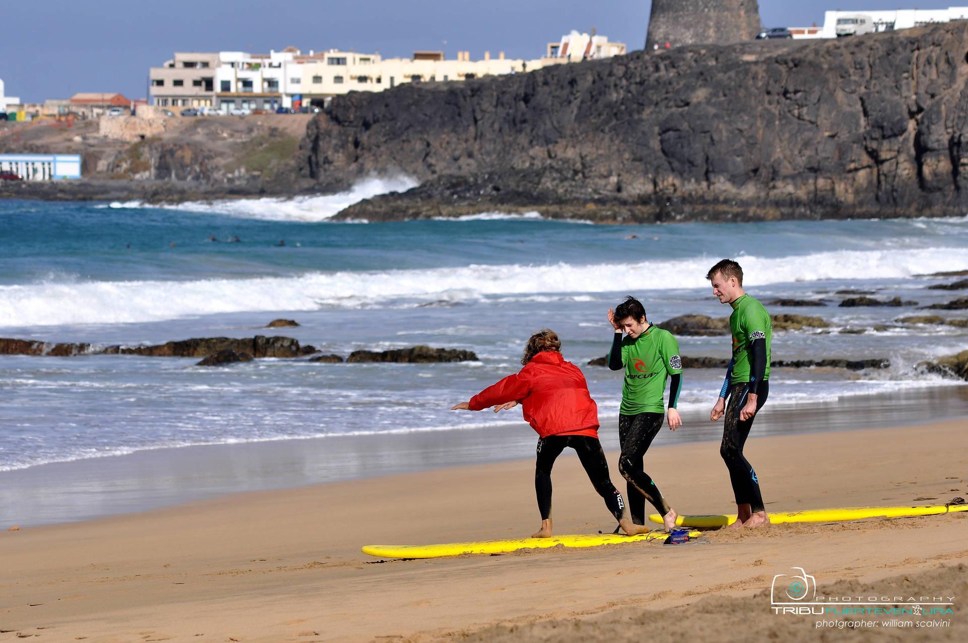 Lesson im Familien Surfcamp