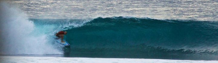 Barrels at Desert Point