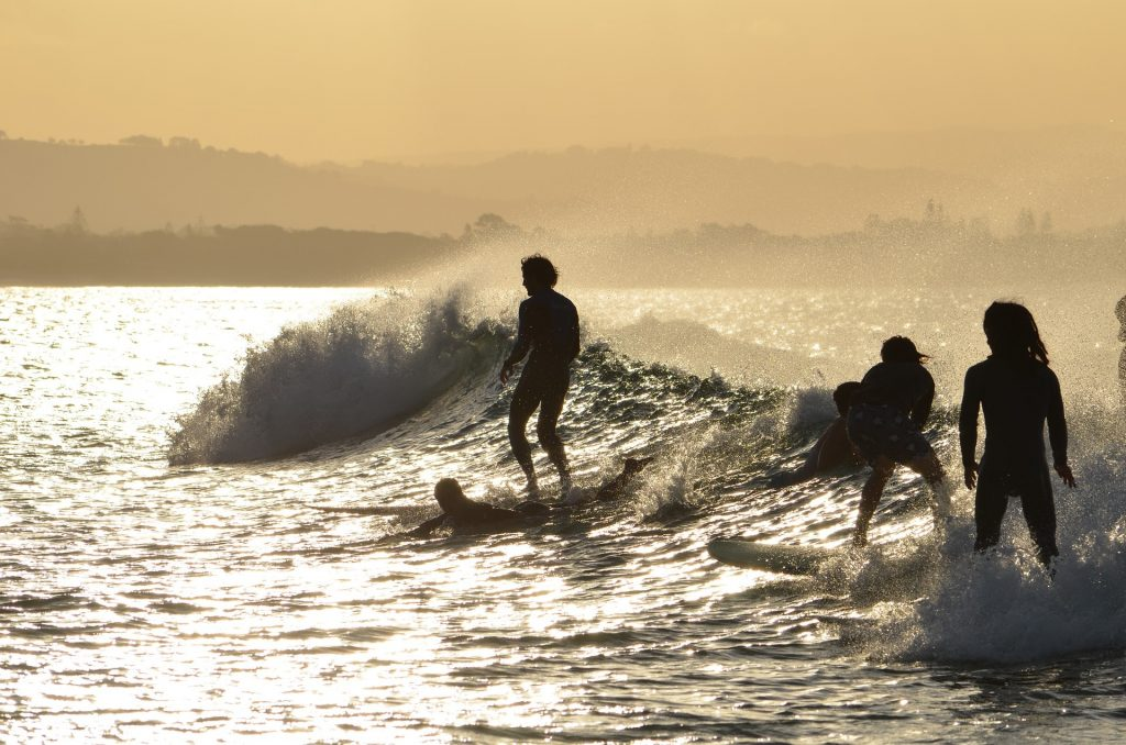Sunset-Surf in Byron Bay