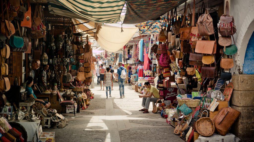 Plenty of Goods in Narrow Alleys
