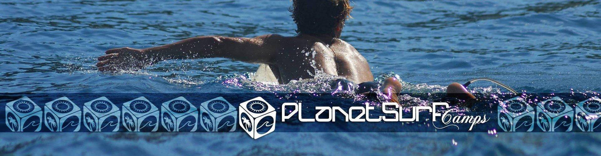 Planet Surfcamps Surfer auf der Suche nach der Welle