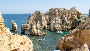 Typische portugiesische Küste in Beira