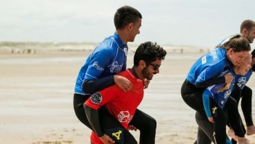 Learn to surf with experienced Surf Instructors